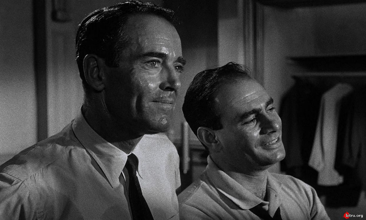 12 angry men film In form, 12 angry men is a courtroom drama in purpose, it's a crash course in those passages of the constitution that promise defendants a fair trial and the presumption of innocence it has a kind of stark simplicity: apart from a brief setup and a briefer epilogue, the entire film takes place.